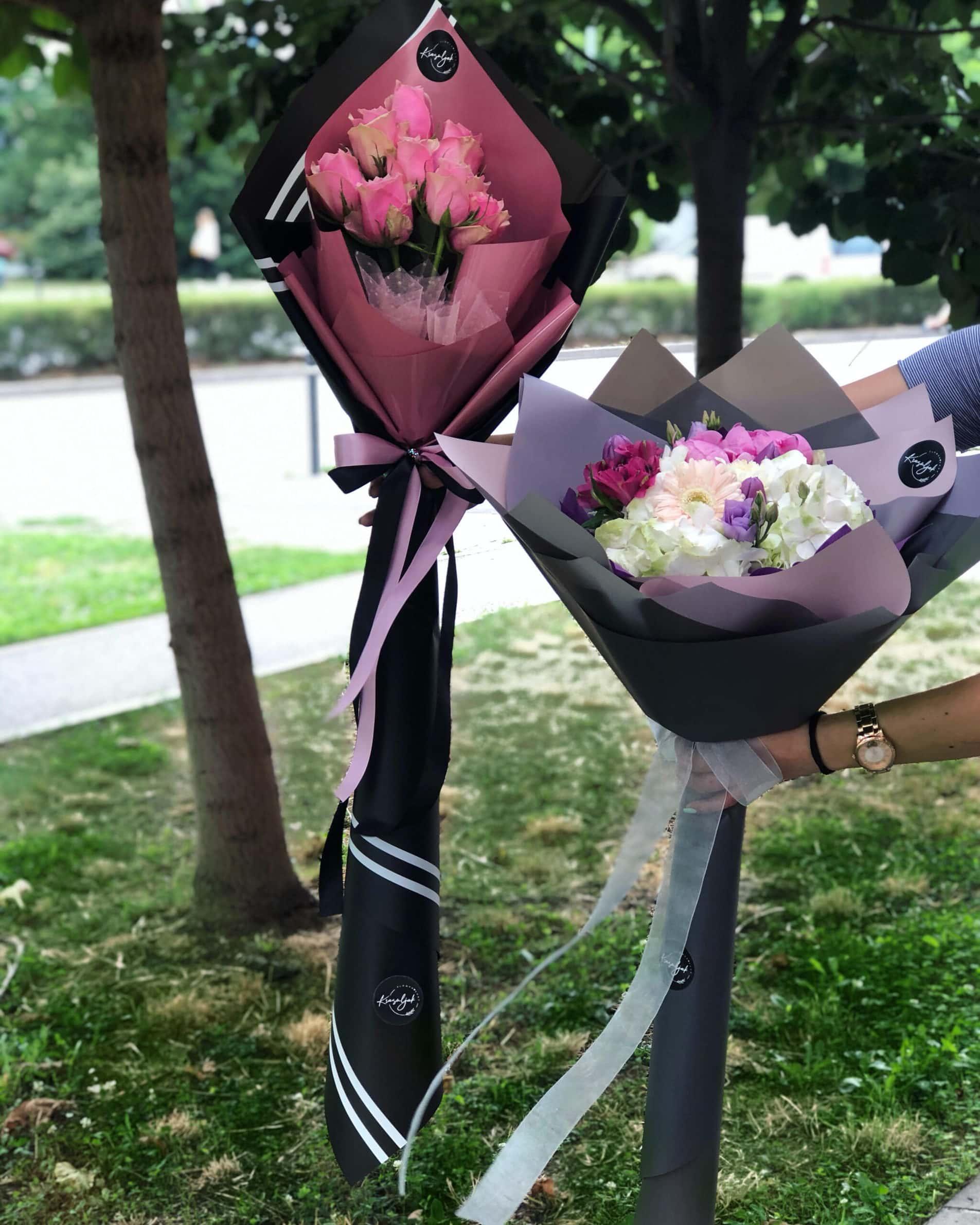 Cveće - buket cveća, crni i sivi papir ukrasni, cvećara