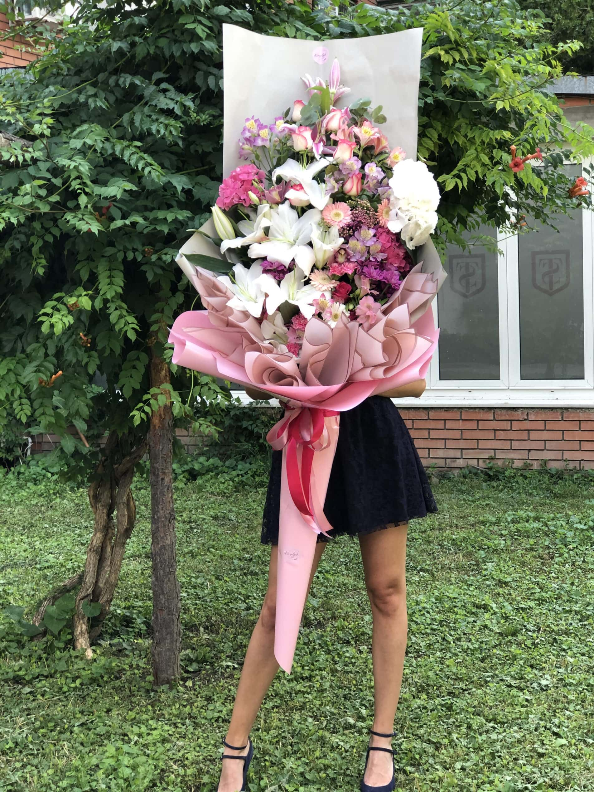 Cvece - ljiljani, rozi ukrasni papir