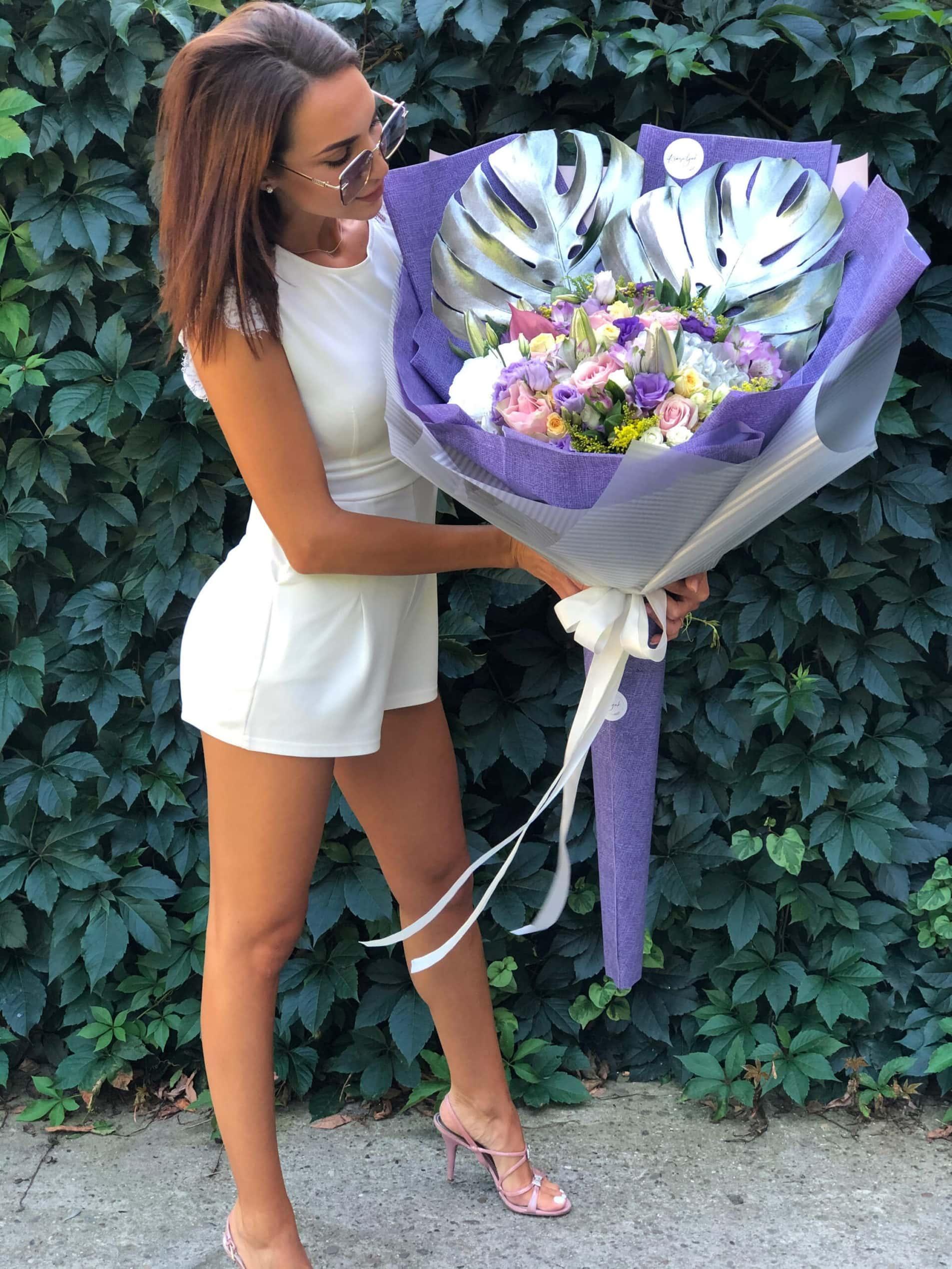Cveće - šareni buket u ljubičastom papiru. cvećara Novi Sad, Krasuljak